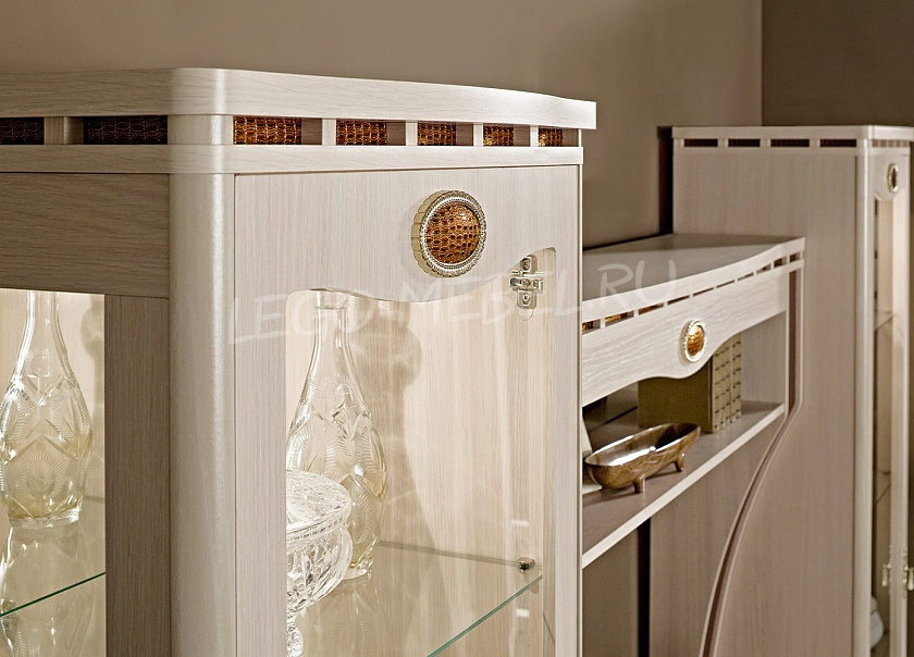 SD-9 Шкаф для одежды