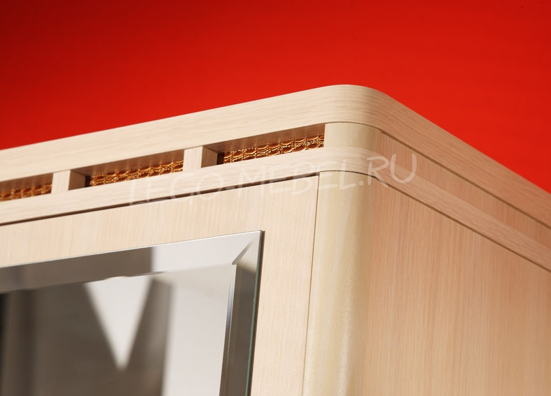 Кэри Голд Шкаф 3-дверный с зеркалом